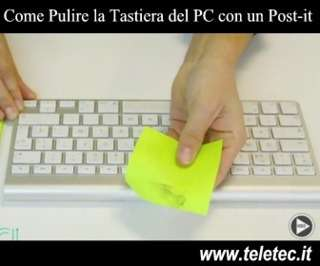 Come Pulire la Tastiera del PC con un Post-it o con il Nastro Adesivo